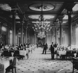 Palmer House Grand Dining Room; J. W. Taylor, Photograph, ca. 1880s (ichi-00748)