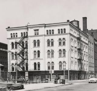 The Sergeant Building (formerly the Lind Block); J. Sherwin Murphy, Photograph, 1951 (ichi-64373)